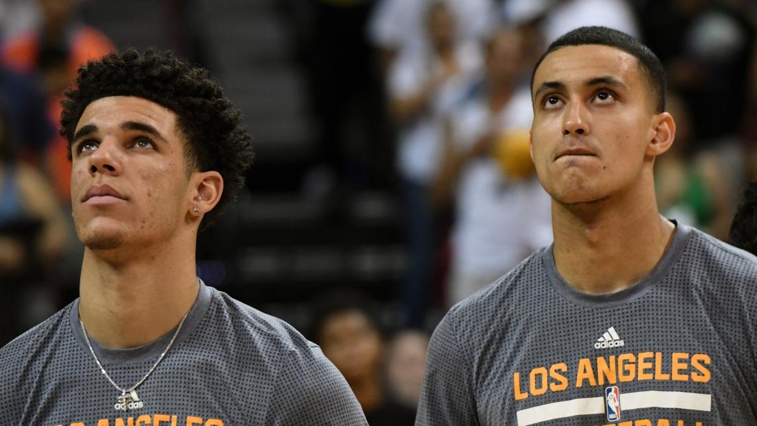 Silver appelle les joueurs de NBA à rester debout pendant l'hymne américain