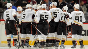 Ducks 3 - Avalanche 0