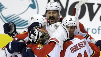 Panthers 3 - Flyers 2
