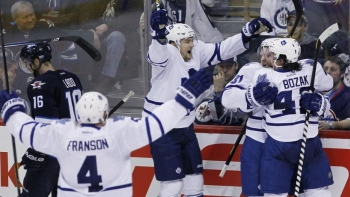 Maple Leafs 3 - Jets 2