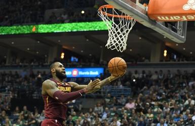 NBA: James a le dessus sur Antetokounmpo