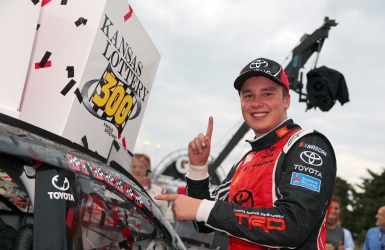 NASCAR : Bell signe sa première victoire