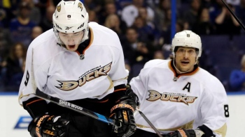 Ducks 6 - Blues 5 (Fus.)