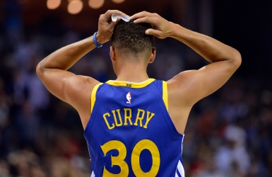 Stephen Curry mis à l'amende pour 50 000 $
