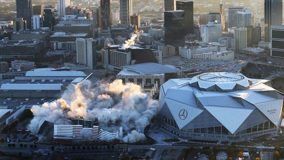 USA: un stade de 70.000 places réduit en poussières en douze secondes !