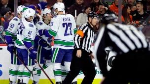 Brock Boeser s'amuse contre les Flyers