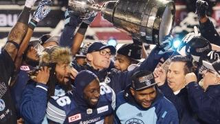 Marc Trestman et les Argonauts célèbre leur conquête de la coupe Grey à Ottawa
