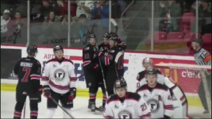 Remparts 4 - Huskies 7