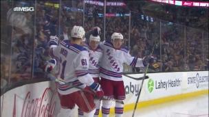 J.T. Miller transperce la défense des Rangers