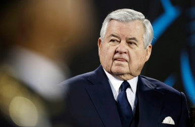 NFL : Jerry Richardson vendra les Panthers