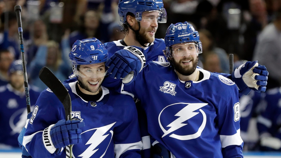 Tyler Johnson et Nikita Kucherov