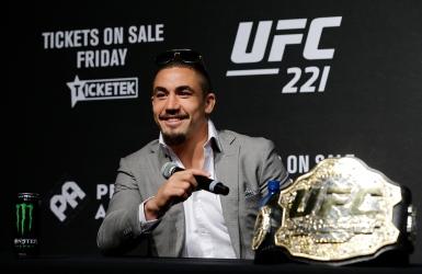 UFC : Whittaker ne pourra défendre son titre