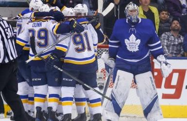 Les Leafs s'effondrent en fin de match