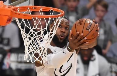 NBA : LeBron brille parmi les étoiles