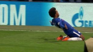 Willian ouvre la marque face au Barça