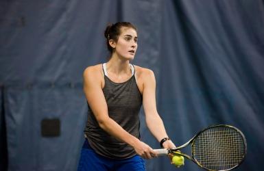 Rebecca Marino s'offre le titre à Winnipeg