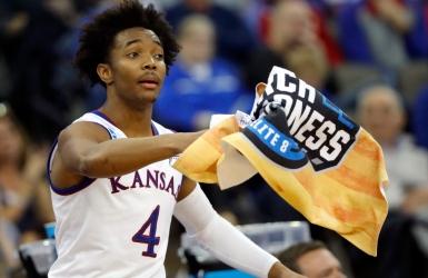 Kansas résiste à la poussée de Clemson