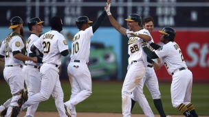 White Sox 11 - Athletics 12 (14 manches)