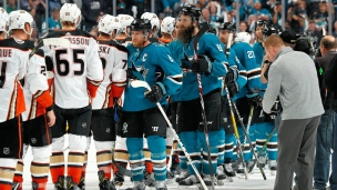 Les Sharks chassent les Ducks