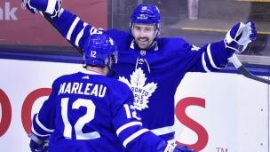 Plekanec marque son premier but avec les Leafs!