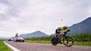 Giro : Dennis gagne la 16e épreuve, Yates encore en rose