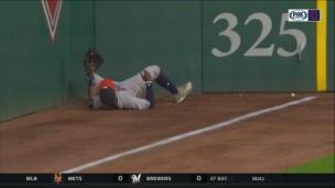 Kemp disparaît pour un superbe retrait!