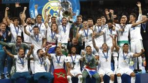 Le Real Madrid soulève un 3e trophée de suite!