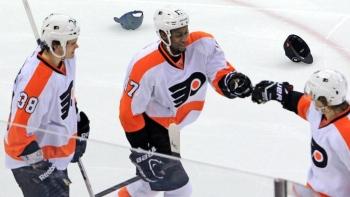 Flyers 5 - Hurricanes 3