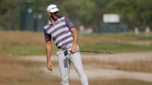 Dustin Johnson laisse filer son avance