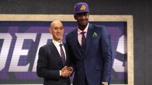 NBA : Deandre Ayton repêché au 1er rang