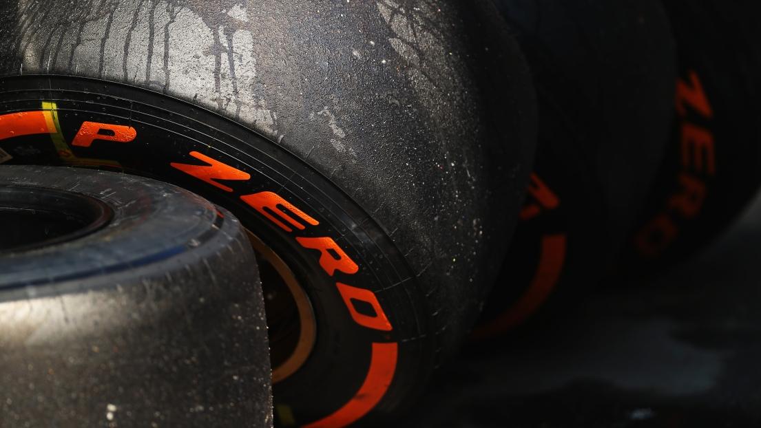 pneus pirelli durs et mediums suzuka au grand prix f1 du japon formule 1. Black Bedroom Furniture Sets. Home Design Ideas