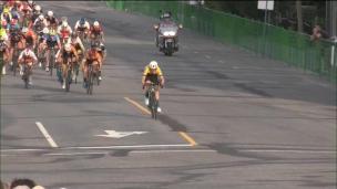Sam Cook l'emporte au sprint