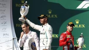 Les erreurs de Ferrari rattrapent Vettel