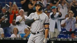 Yankees 2 - Marlins 1 (12 manches)