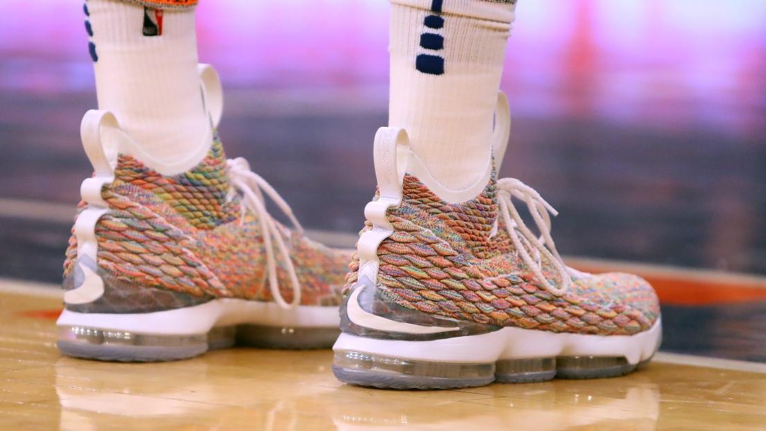 Les joueurs NBA vont pouvoir porter des shoes de toutes les couleurs