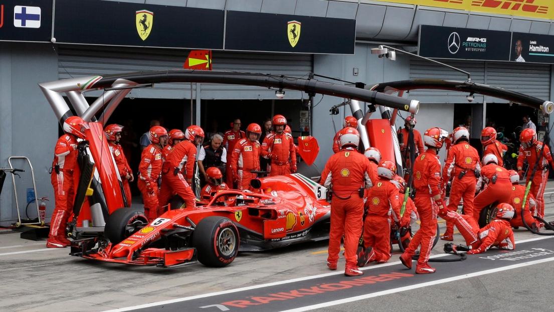 L'accrochage au départ entre Vettel et Hamilton à Monza — Crash