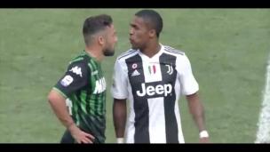 Un joueur de la Juventus crache sur un adversaire