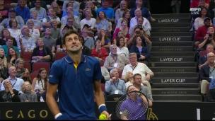 Djokovic atteint son partenaire Federer