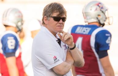 Dan Hawkins devient l'entraîneur d'UC Davis