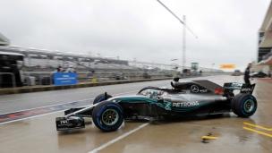 Hamilton domine sous la pluie