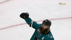 Brent Burns s'amuse en territoire offensif!