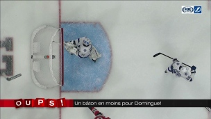 Oups! Louis Domingue casse son bâton!