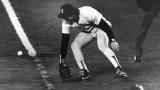Le roulant de Mookie Wilson passe entre les jambes de Bill Buckner