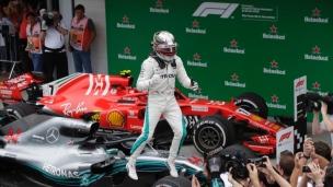 Hamilton remporte, Mercedes champions