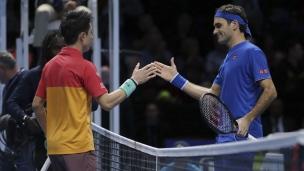 Un faux pas d'entrée pour Federer