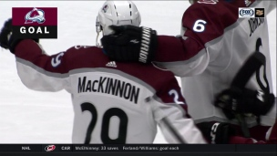 MacKinnon ajoute un 2e but