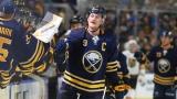 Jack Eichel, tout sourire, est l'une des raisons principales des succès des Sabres de Buffalo cette saison
