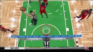 Tatum enfonce le dunk