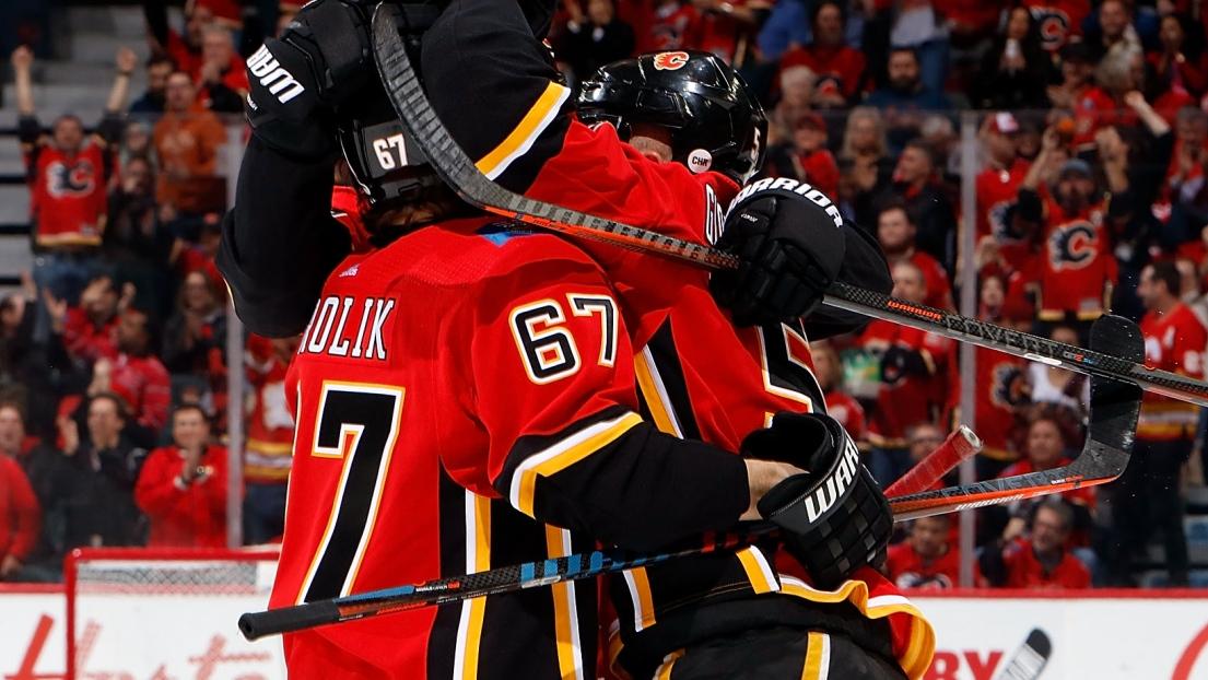 Les Flames de Calgary célèbrent