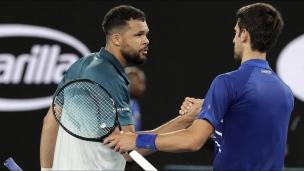 Djokovic bat Tsonga et rejoint Shapovalov